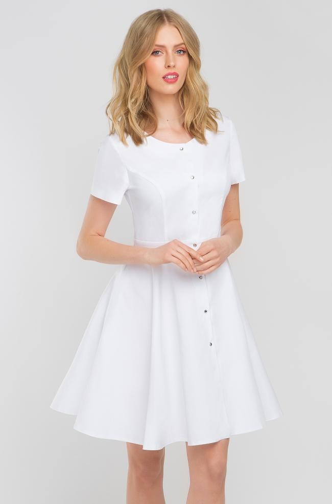ef7a46c0014529 Sukienka medyczna z baskinką biała-387