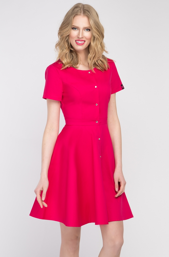 2c435d8a260d29 Sukienka kosmetyczna z baskinką amarantowa